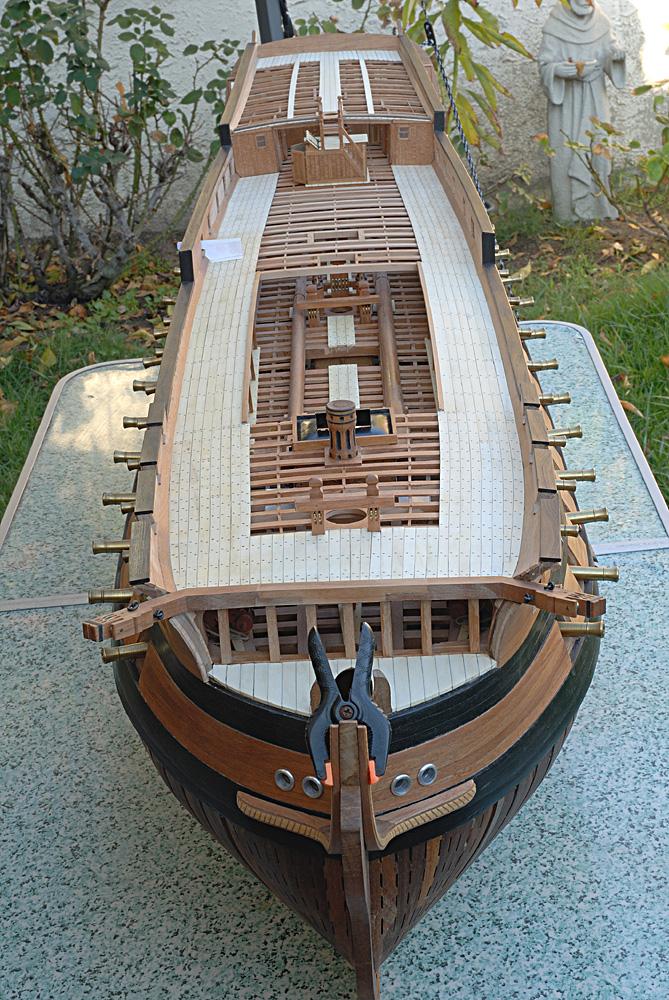 74 gun ship096 - dziob  w budowie.jpg
